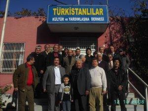 جمعية التركستانيين في أضنة بتركيا